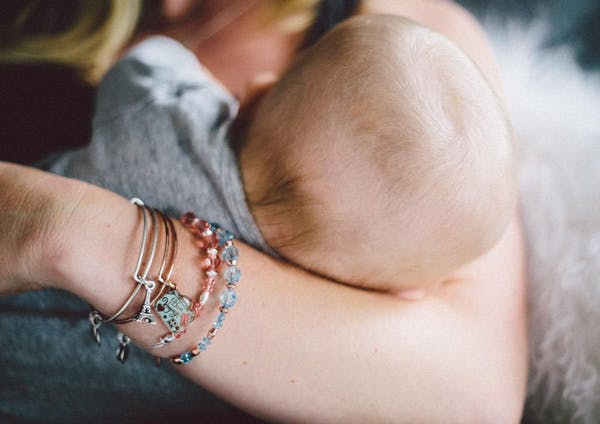 Unique, Meaningful Gifts for Pregnant Women: A Guide