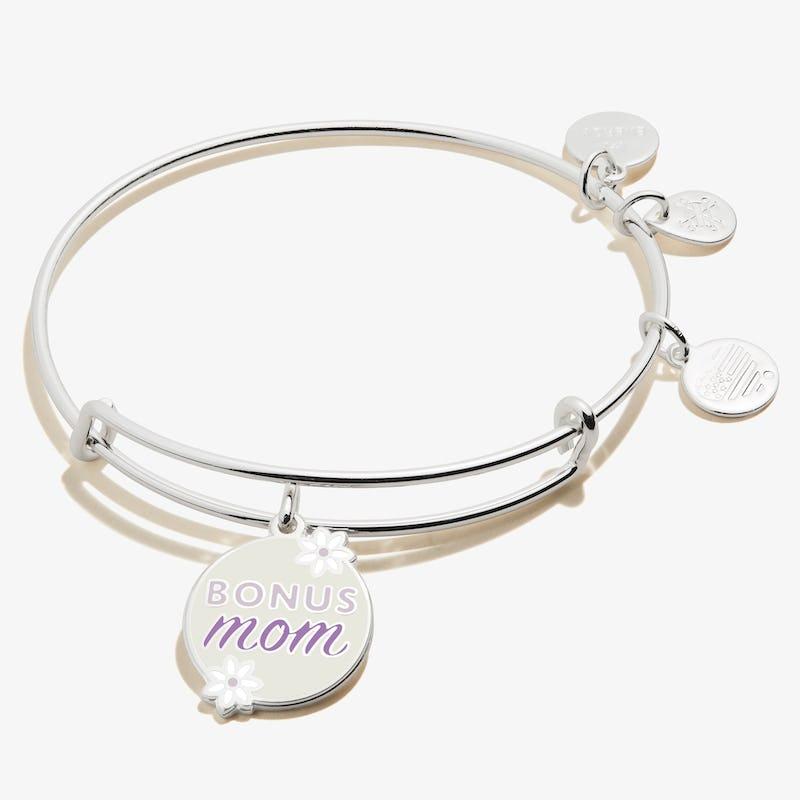 'Bonus Mom' Charm Bangle