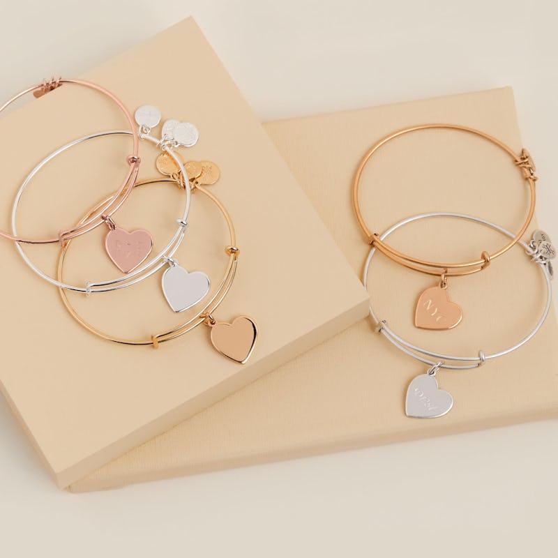 Shiny Silver, Shiny Gold, Shiny Rose Gold, Rafaelian Silver, Rafaelian Gold