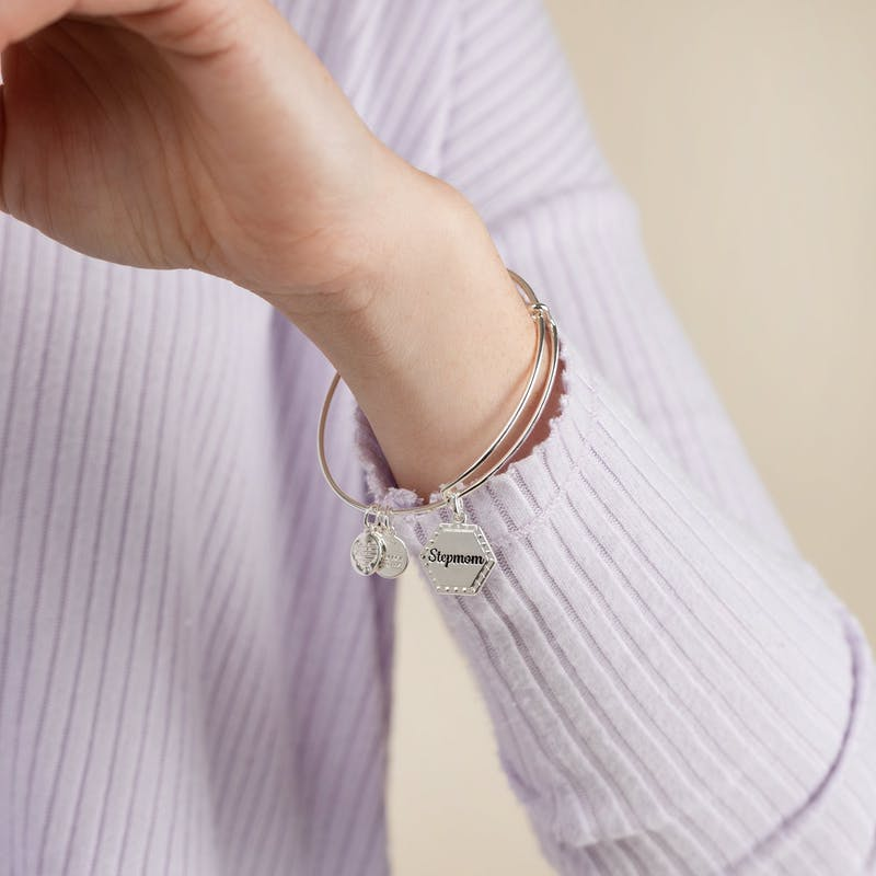 Stepmom, 'You're In My Heart Forever' Charm Bangle